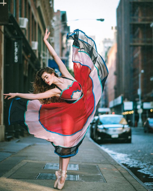 Breathtaking Portraits Ballet's Finest Dancing on the Streets of NewYork