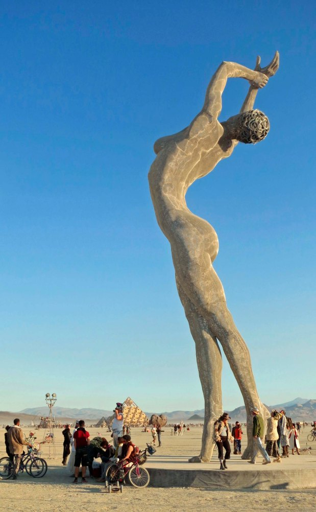 Wonderful Shots of the Most Feminine Sculpture at Burning Man